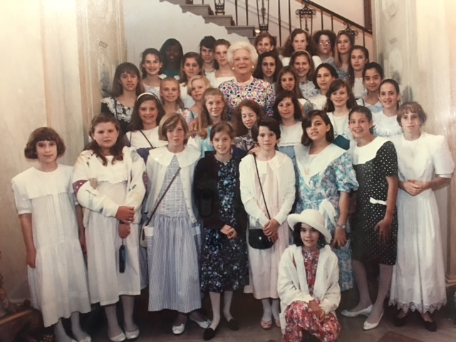 Ashley Hall Students Visit Ashley Hall alumna and Former First Lady, Barbara Pierce Bush '43 in the White House in 1992